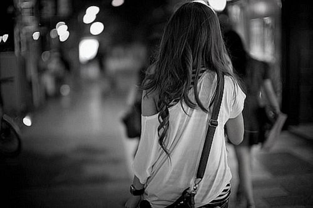断れない力関係にある若い女性を、自分の部屋に来るよう強要した時点で、既に半ばレイプである