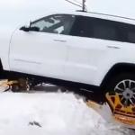 4WDの車を雪上車にできるパーツがスゴイ