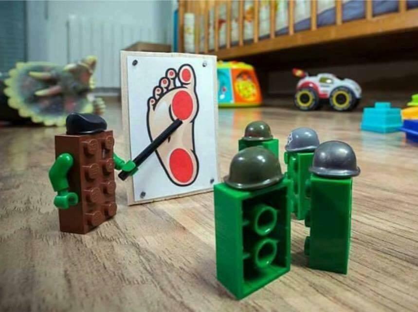 うちのレゴは多分こういう事考えてる。