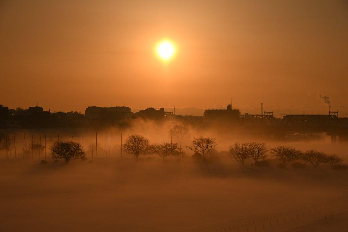 朝日が照らされ映画のワンシーンのようでした