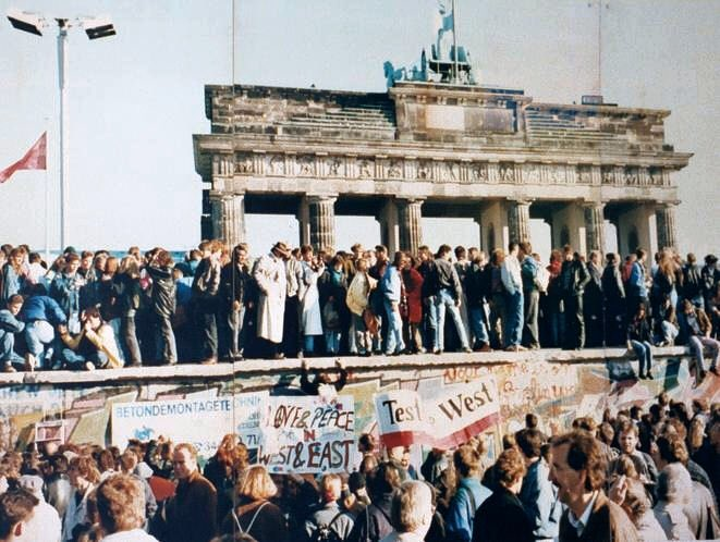 【10314日】ベルリンの壁が崩壊してから、壁が存在した日数が経過した日