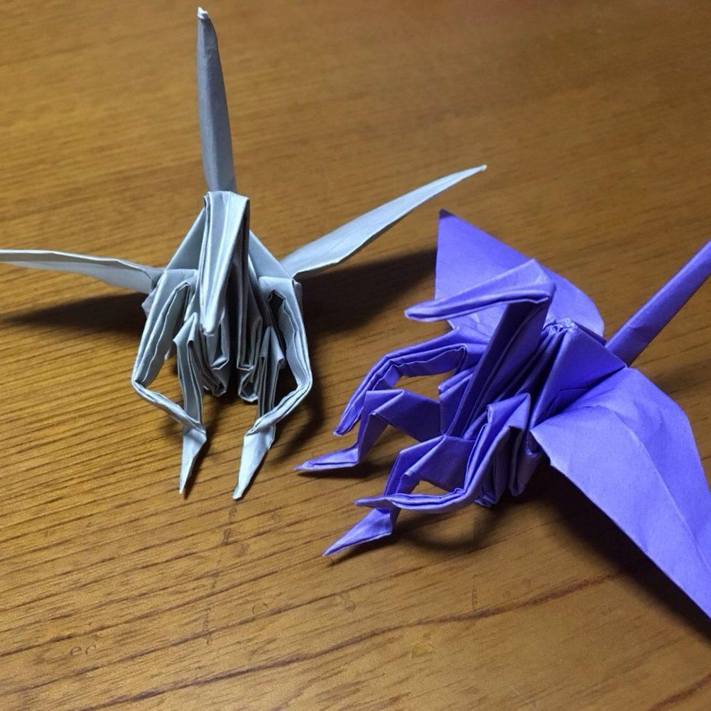 体育座りの鶴