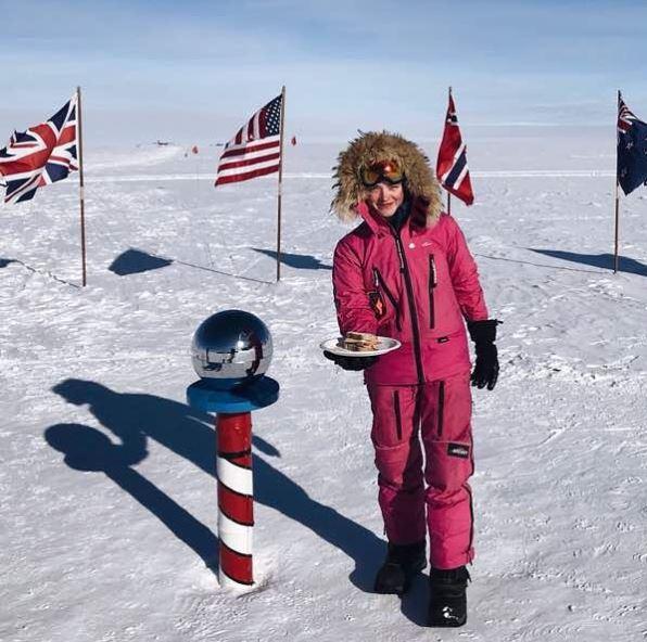 16歳女子高生、南極点から「サンドイッチ」で反撃