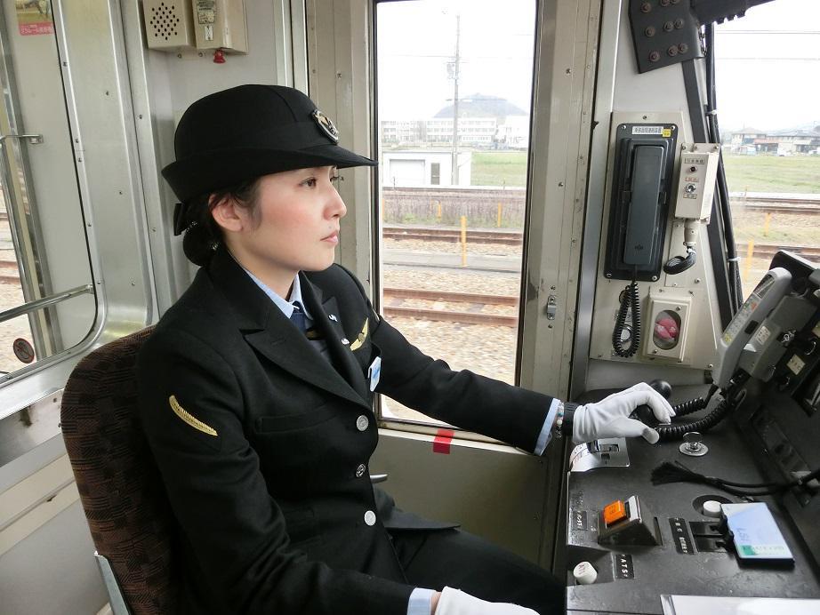 電車の運転士さんの睡魔撃退方法
