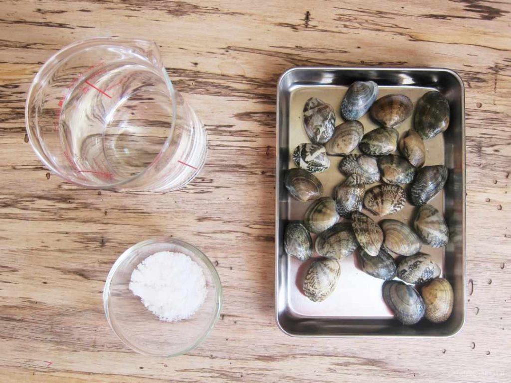あさりのタンパク質は50度では余裕で変性するので、それに伴って味も流出する。