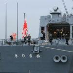 国旗を掲揚しない軍艦は海賊とみなされ、無条件で攻撃される