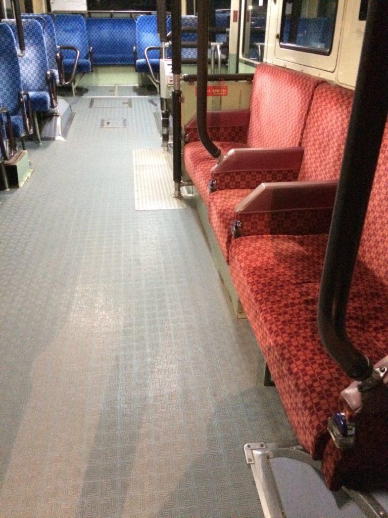 優先席は、健常者が座っちゃいけない席じゃなくて、然るべき人が来たら譲ってあげて欲しい席