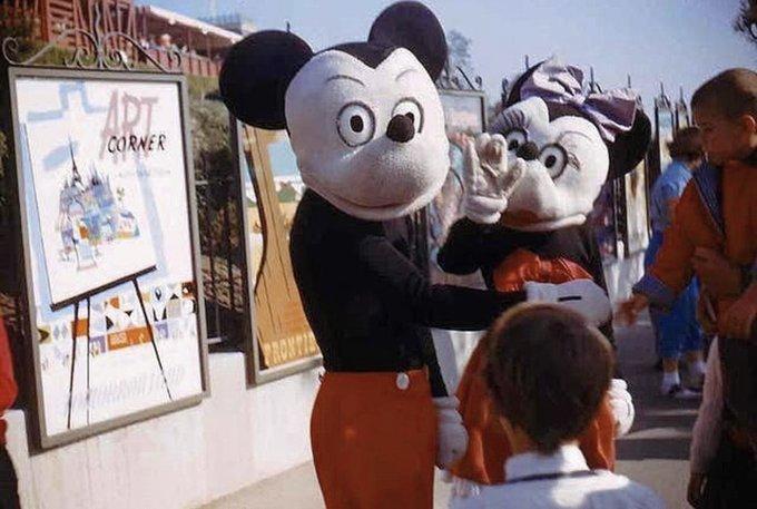 パーク開園当初の本物のミッキーとミニー
