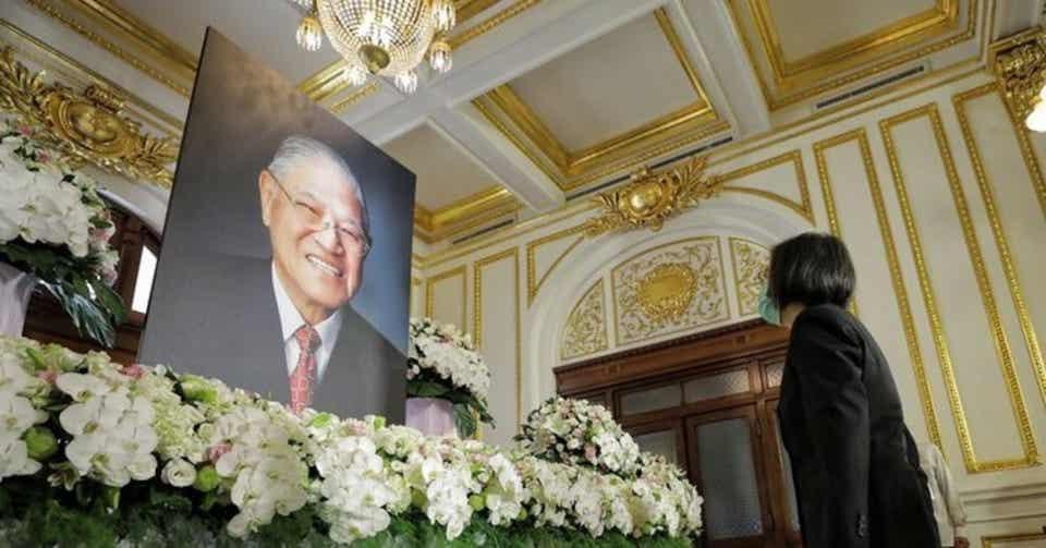 中曽根元首相の葬儀に税金を使うな?