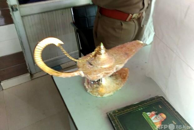 【男ら逮捕】「アラジンのランプ」と偽り980万円で販売 インド