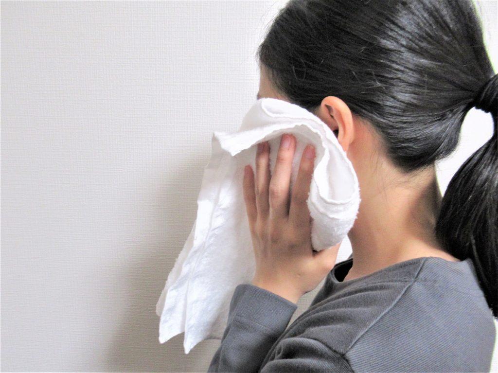 鼻が詰まった時は、蒸しタオルを顔にかけてると通る